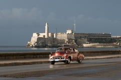 Κουβανικό ταξί στο Malecon Αβάνα Κούβα Στοκ Φωτογραφίες