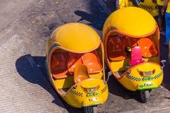 ΚΟΥΒΑ, ΑΒΑΝΑ - 5 ΜΑΐΟΥ 2017: Τοπικά taxis στις οδούς Κινηματογράφηση σε πρώτο πλάνο Τοπ όψη Στοκ Φωτογραφίες