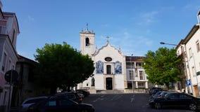 Κουδούνια εκκλησιών που χτυπούν στο κέντρο πόλεων του Πόρτο, Πορτογαλία απόθεμα βίντεο