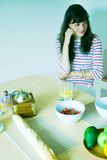 κουζίνα κοριτσιών Στοκ Φωτογραφίες