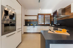 Κουζίνα πολυτέλειας στοκ φωτογραφία με δικαίωμα ελεύθερης χρήσης