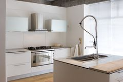 κουζίνα σύγχρονη Στοκ φωτογραφία με δικαίωμα ελεύθερης χρήσης