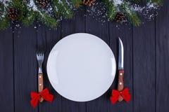 Κουζίνα Χριστουγέννων, εορταστικό γεύμα, τρόφιμα διακοπών Κενά WI πιάτων στοκ εικόνες