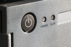 Κουμπί και δύο ισχύος που ανιχνεύουν τα στοιχεία Στοκ Εικόνες