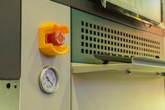 Κουμπί στάσεων έκτακτης ανάγκης και κενό διαμέτρημα στοκ εικόνα με δικαίωμα ελεύθερης χρήσης