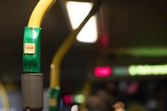 Κουμπί στάσεων λεωφορείου Στοκ φωτογραφία με δικαίωμα ελεύθερης χρήσης