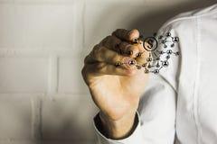 Κουμπί ώθησης προσώπων με το νόμισμα δολαρίων Στοκ φωτογραφία με δικαίωμα ελεύθερης χρήσης