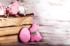 Κουνέλι και αυγά μελοψωμάτων Πάσχας Στοκ Εικόνα