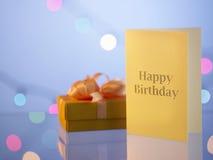 κουνέλι δώρων καρτών γενεθλίων Στοκ Εικόνες