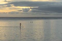 Κουπί που επιβιβάζεται στο Λα αλατούχο στο νησί Λα Réunion Στοκ εικόνες με δικαίωμα ελεύθερης χρήσης