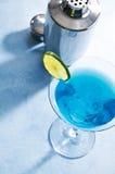 Κουρασάο μπλε martini Στοκ φωτογραφία με δικαίωμα ελεύθερης χρήσης