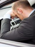 Κουρασμένος οδηγός αυτοκινήτων επιχειρηματιών ή ταξί Στοκ Εικόνα