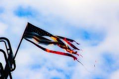 Κουρελιασμένη σημαία στοκ εικόνα