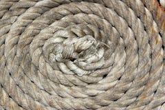 Κουρδιστήρι σχοινιών πρόσδεσης στη διαταγή Στοκ Φωτογραφία