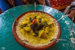 Κουσκούς στοματικού ποτίσματος από το Μαρόκο στοκ εικόνα με δικαίωμα ελεύθερης χρήσης