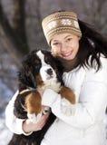 κουτάβι κοριτσιών Στοκ φωτογραφίες με δικαίωμα ελεύθερης χρήσης