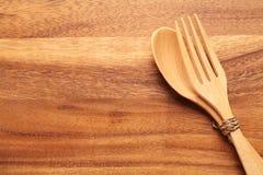 κουτάλι δικράνων ξύλινο Στοκ Φωτογραφίες
