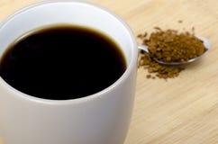 Κουτάλι και κούπα του coffe Στοκ φωτογραφία με δικαίωμα ελεύθερης χρήσης
