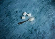 Κουτάλι με τη ζάχαρη Στοκ Φωτογραφίες
