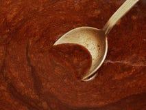 Κουτάλι στη ζύμη σοκολάτας Στοκ φωτογραφία με δικαίωμα ελεύθερης χρήσης