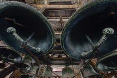 Κουδούνια εκκλησιών μέσα στο καμπαναριό - εγκαταλειμμένη εκκλησία - Νέα Υόρκη Στοκ Φωτογραφία