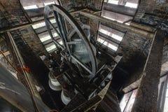 Κουδούνια εκκλησιών μέσα στο καμπαναριό - εγκαταλειμμένη εκκλησία - Νέα Υόρκη Στοκ Φωτογραφίες
