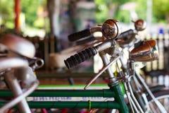 Κουδούνι και λαμπτήρες, παλαιά ποδήλατα Στοκ Εικόνες
