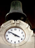 κουδούνι και ρολόι Στοκ Φωτογραφία