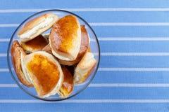 Κουλούρια με το τυρί εξοχικών σπιτιών Στοκ Εικόνες