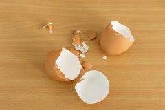 Κοχύλι αυγών που λυγίζεται Στοκ Φωτογραφία