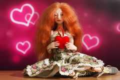Κούκλα και καρδιά στοκ εικόνα