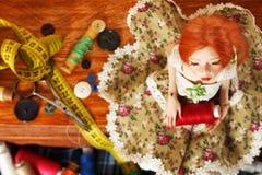 Κούκλα και νήμα στοκ εικόνες