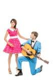 Κούκλα που φαίνεται αγόρι και κορίτσι με την κιθάρα στοκ φωτογραφία με δικαίωμα ελεύθερης χρήσης
