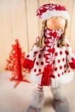 Κούκλα Χριστουγέννων που περιμένει Santa Στοκ Εικόνες