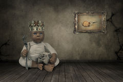 Κούκλα με μια κορώνα Στοκ Εικόνες