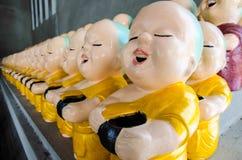 Κούκλες λίγων βουδιστικές μοναχών Στοκ Εικόνες