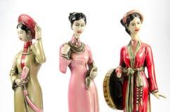 Κούκλες που γίνονται †‹â€ ‹από τον κεραμικό θηλυκό αριθμό Στοκ εικόνες με δικαίωμα ελεύθερης χρήσης