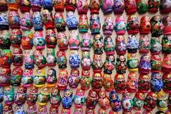 κούκλες που τοποθετο Στοκ Φωτογραφίες