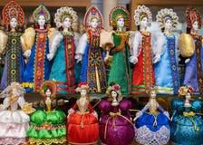 Κούκλες στα ρωσικά ενδύματα Στοκ Φωτογραφία