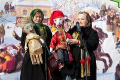 Κούκλες Petrushka και Marfa Στοκ φωτογραφία με δικαίωμα ελεύθερης χρήσης