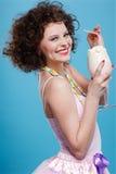 κούνημα γάλακτος κοριτσ στοκ φωτογραφία με δικαίωμα ελεύθερης χρήσης