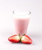 Κούνημα γάλακτος με τη φράουλα Στοκ Εικόνα