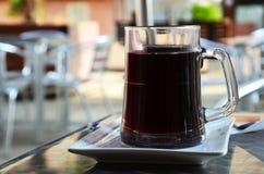 Κούπα γυαλιού με το ποτό Στοκ Φωτογραφία