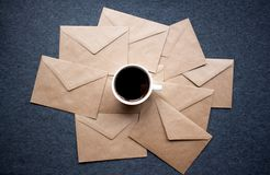 Κούπα καφέ γκρίζα υπόβαθρα Στοκ εικόνα με δικαίωμα ελεύθερης χρήσης