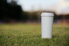 Κούπα καφέ επαναχρησιμοποίησης στοκ εικόνα με δικαίωμα ελεύθερης χρήσης