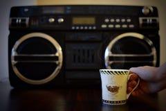 Κούπα του καφέ, και καλύτερη μουσική Στοκ εικόνα με δικαίωμα ελεύθερης χρήσης