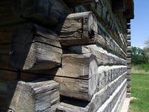 κούτσουρο σπιτιών γωνιών Στοκ φωτογραφία με δικαίωμα ελεύθερης χρήσης