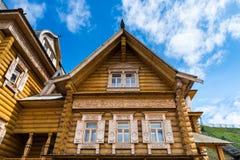 κούτσουρο σπιτιών ξύλινο Στοκ φωτογραφία με δικαίωμα ελεύθερης χρήσης