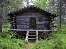 κούτσουρο του Lapland καμπινώ&nu στοκ φωτογραφίες με δικαίωμα ελεύθερης χρήσης