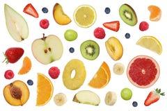 Κολάζ των πετώντας φρούτων όπως τα φρούτα μήλων, πορτοκάλια, μπανάνα και Στοκ Φωτογραφία